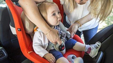 Bambini in auto, qualche consiglio per viaggiare tranquilli