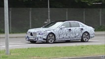 2020 Mercedes S-Class screenshots from spy video