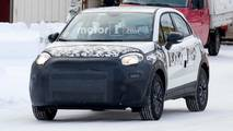 Fiat 500X facelift spotted during testing