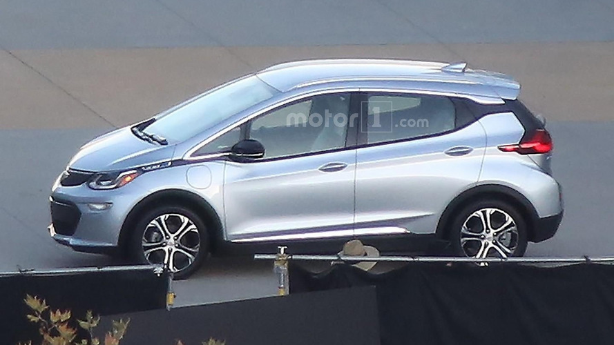 2017 Chevy Bolt spied in Palm Springs photo shoot