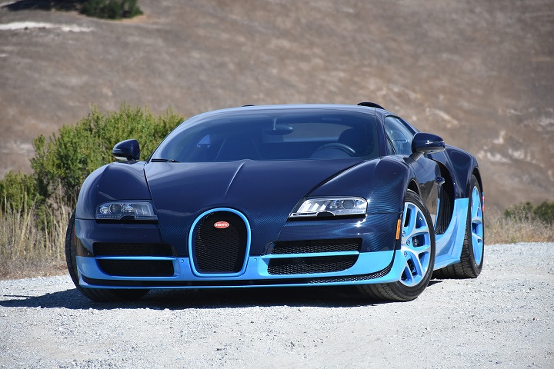 The Bugatti Veyron is the Closest You'll Get to a Fighter Jet: First ...