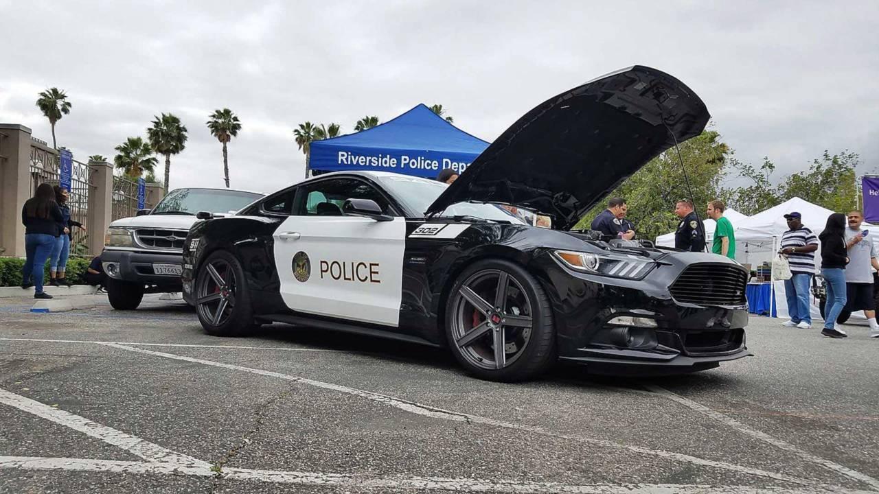 Полицейский автомобиль Mustang Saleen S302