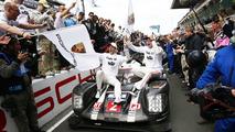 Race winners #2 Porsche Team Porsche 919 Hybrid- Romain Dumas, Neel Jani, Marc Lieb