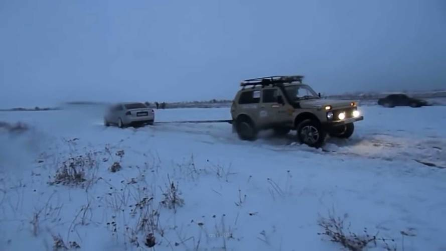 Watch This Audi S6 Battle Lada Niva 4X4 In Unlikely Tug-Of-War