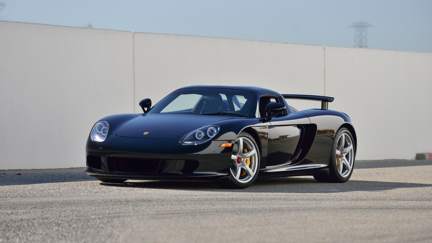 Porsche Carrera GT with only 152 miles up for auction