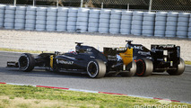 (L to R): Kevin Magnussen, Renault Sport F1 Team RS16 and Sergio Perez, Sahara Force India F1 VJM09