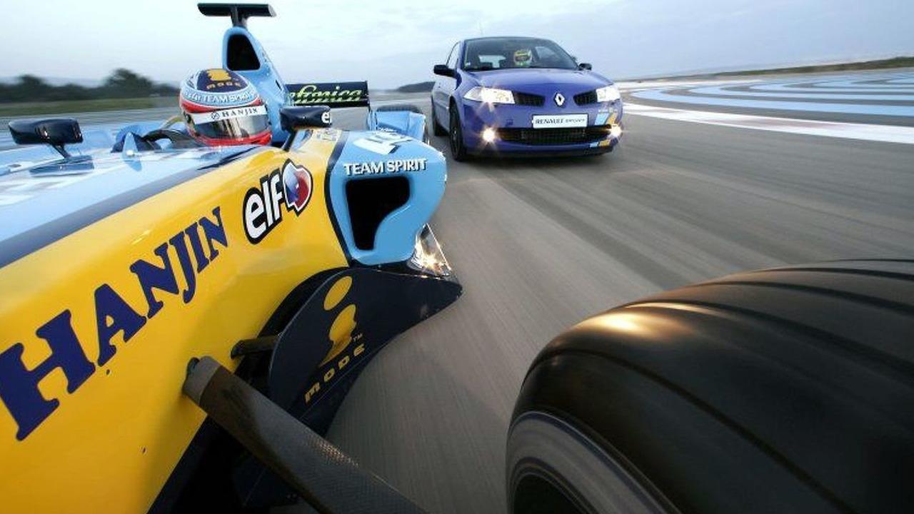 Renault Megane RS 225 Renault F1 Team Special Edition
