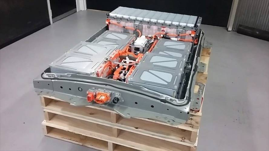 Let's Take A Look Inside The Nissan Leaf's 40-kWh Battery