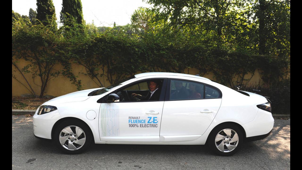 Matteo Renzi prova la Renault Fluence Z.E.