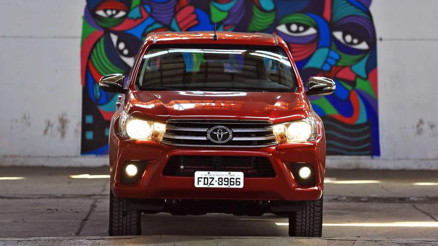 Vídeo - Por que comprar a Toyota Hilux SRV 4x4 flex?