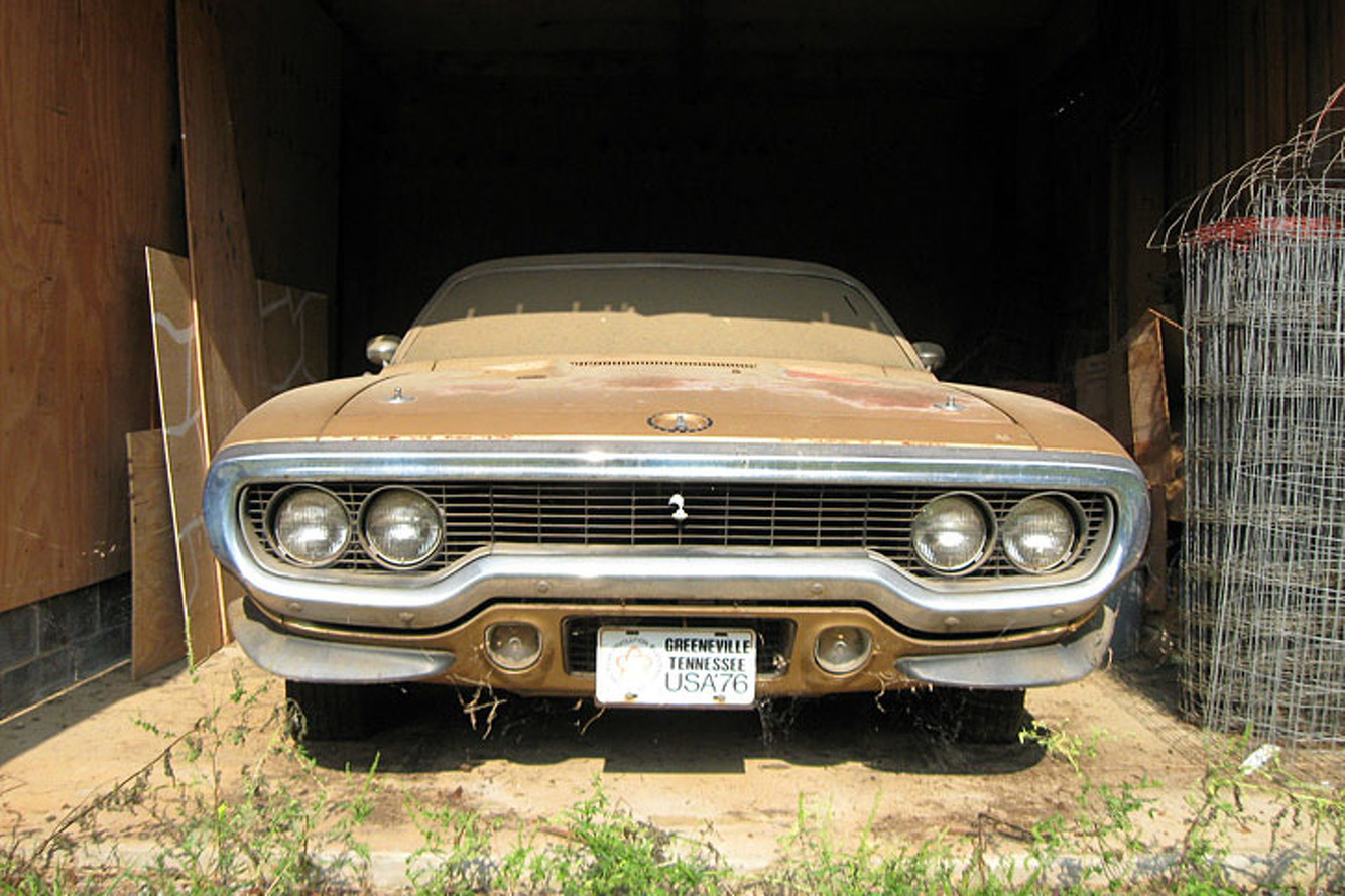 This \'71 Plymouth Road Runner is a Barn Find Beauty