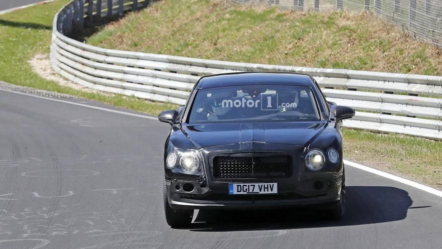La future Bentley Flying Spur sur le circuit du Nurburgring