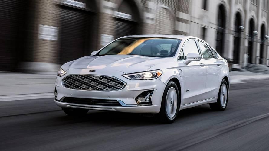 Ford Fusion pode mudar de sedã para crossover
