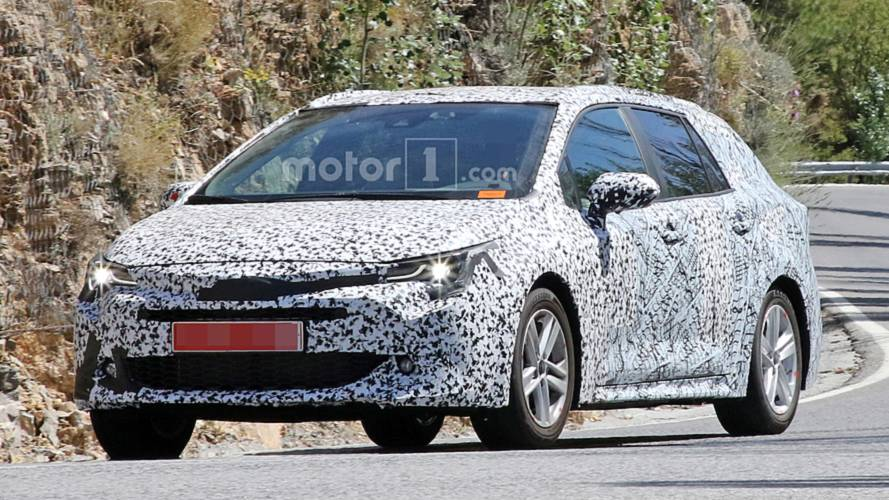 2019 Toyota Auris Touring Sports estate spied hot-weather testing