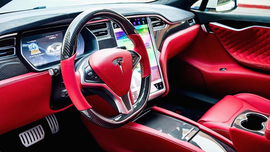 Modifiye firmasından Tesla'ya muhteşem deri döşeme
