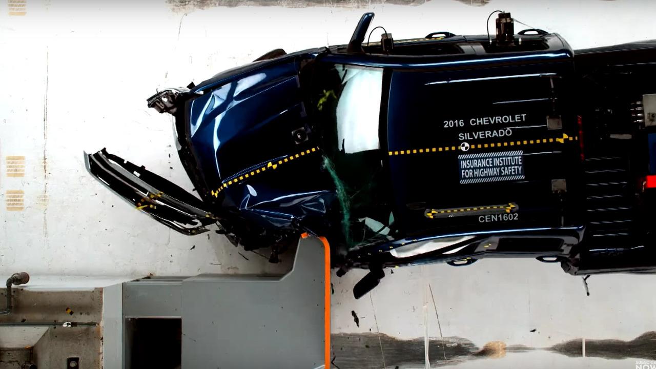 Pikap kaza testleri