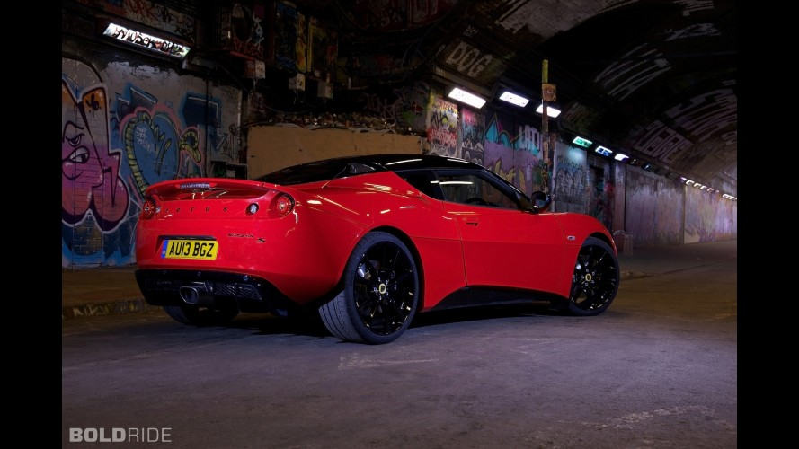 https://icdn-0.motor1.com/images/mgl/96Vpv/s4/lotus-evora-sports-racer.jpg