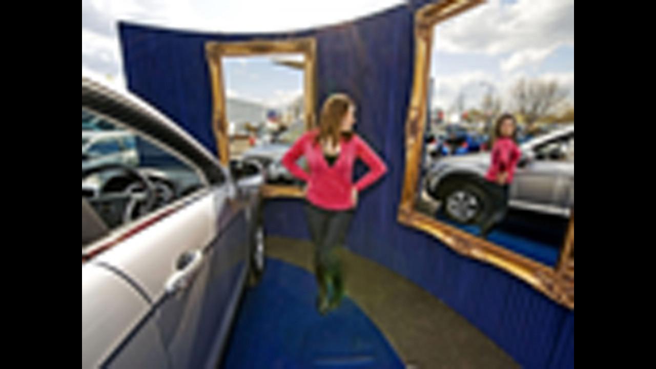 Lo specchio negli show room Chevrolet