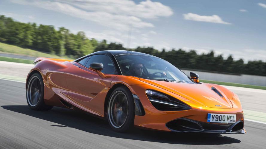 McLaren 720S'in Magny Cours pistindeki rekor turunu izleyin