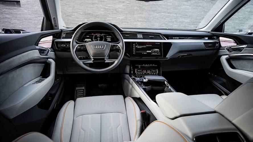 El Audi e-tron 2018 muestra un habitáculo con cinco pantallas