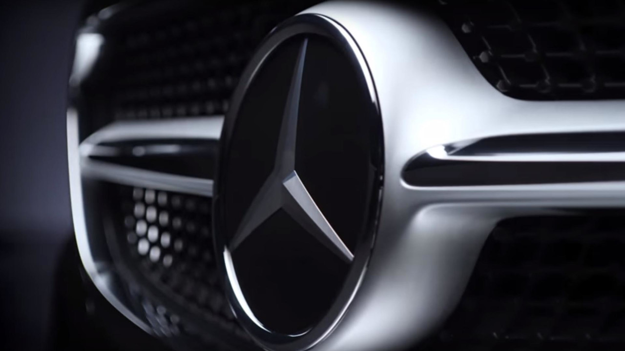 2018 Mercedes S-Class Cabriolet screenshot from teaser video