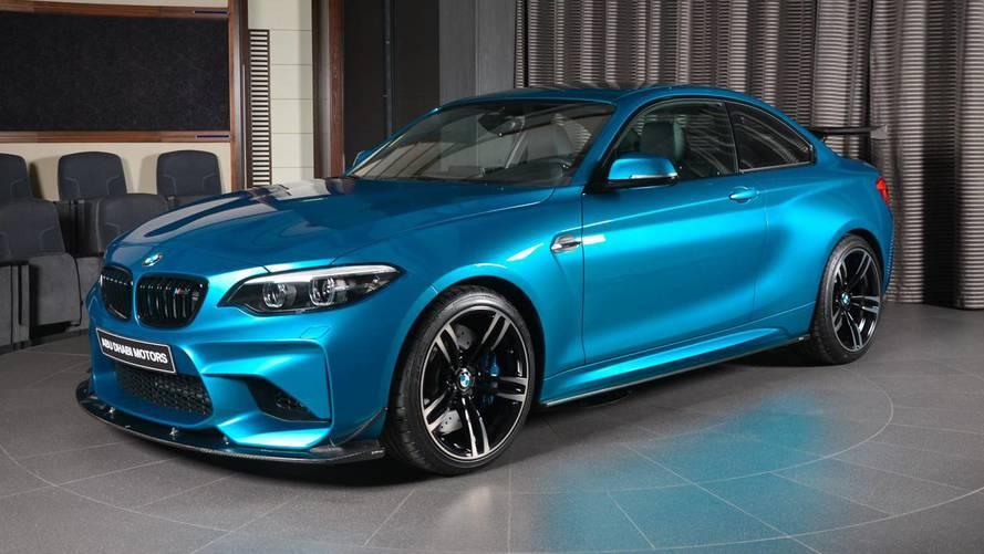 PHOTOS - Une BMW M2 dotée de fibre de carbone à Abu Dhabi