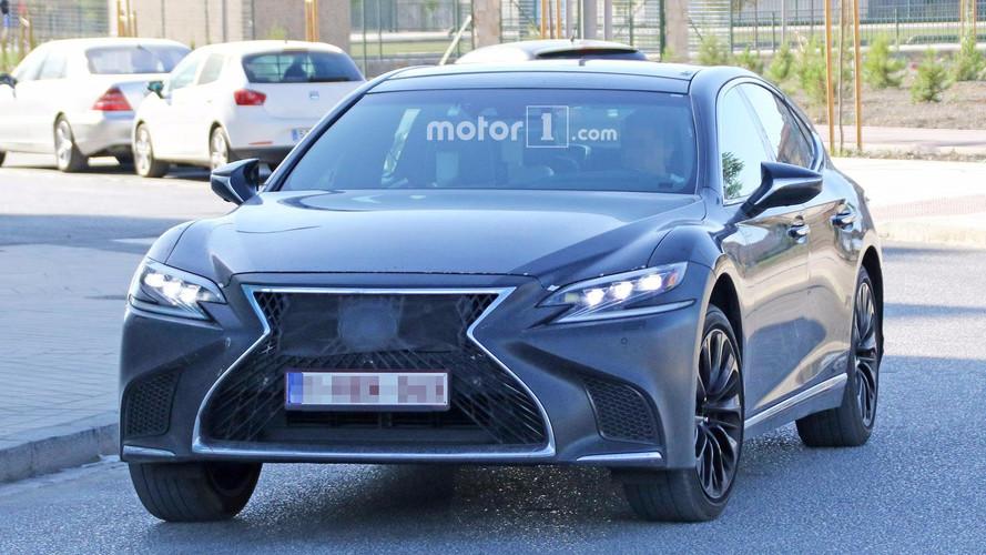 Lexus LS F, yeni V8 motoruyla Tokyo'da tanıtılabilir