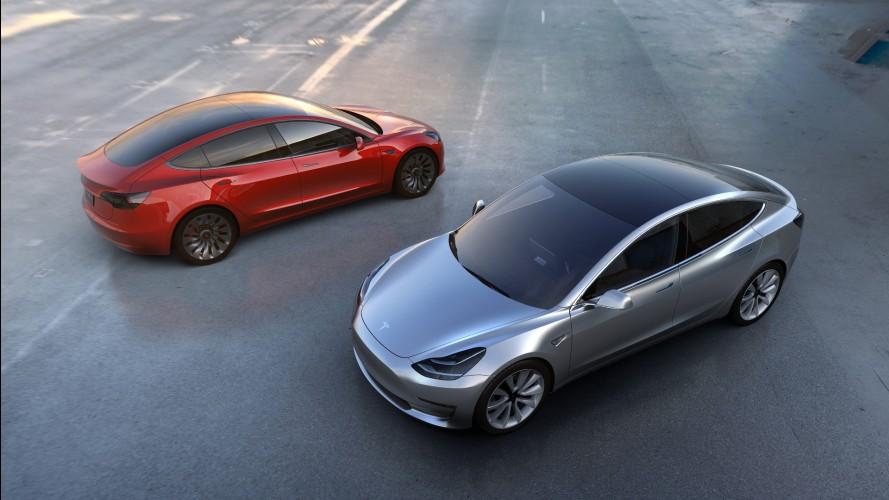 Tesla Model 3'ün 2017'deki piyasaya sunum tarihine uzmanlar tereddütle yaklaşıyor
