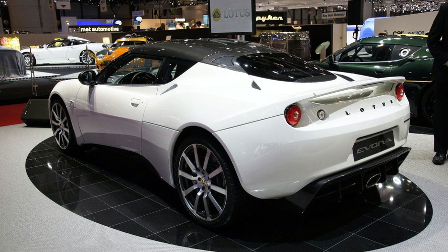 https://icdn-0.motor1.com/images/mgl/AKzRP/s4/2010-195673-lotus-evora-carbon-concept-live-in-geneva-02-03-20101.jpg
