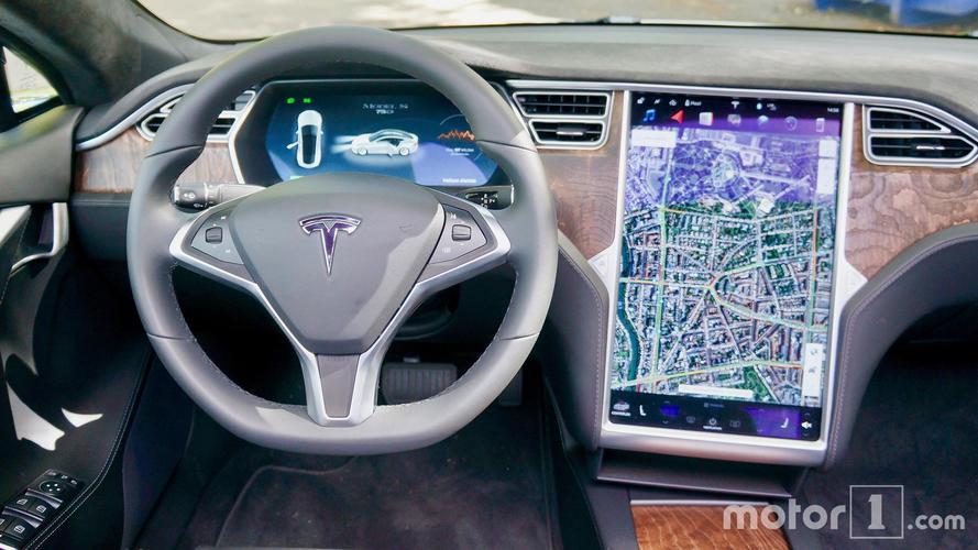 Le logiciel de sécurité de Tesla sera ouvert à tous