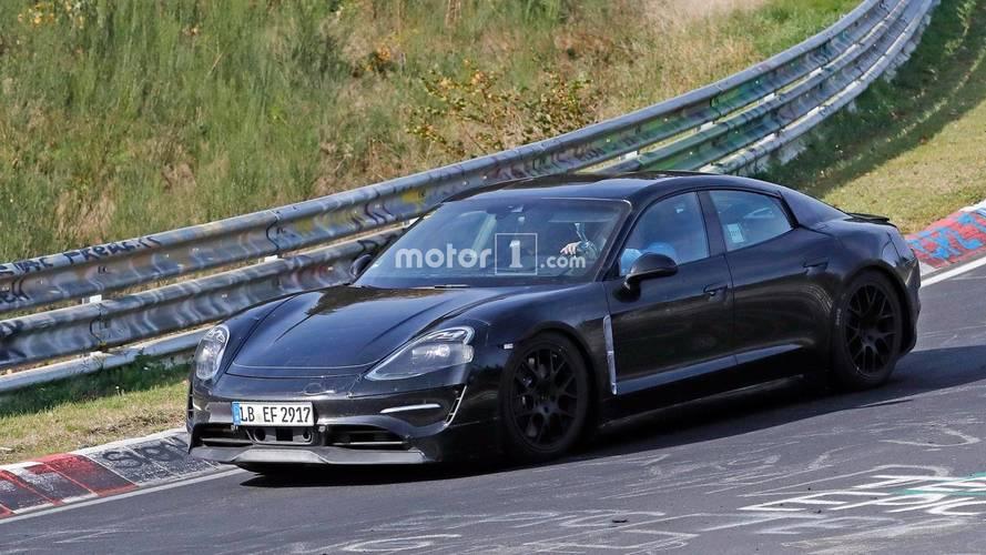 Porsche Mission E 2020: fotos espía en Nürburgring