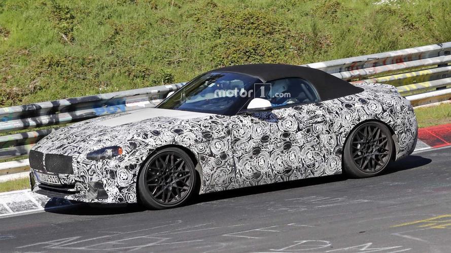 BMW Z4'ün yeni casus fotoğrafları bolca detay taşıyor