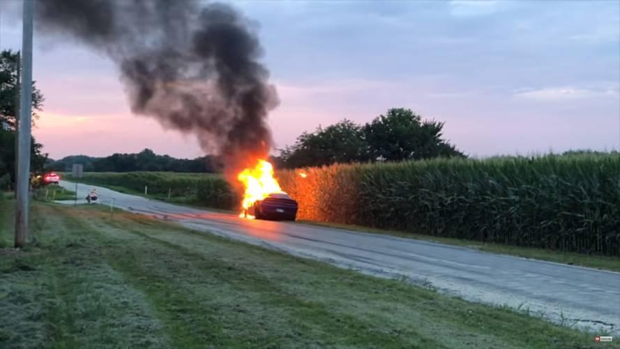 Dodge Challenger Hellcat Fire