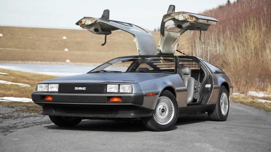 DeLorean DeLorean