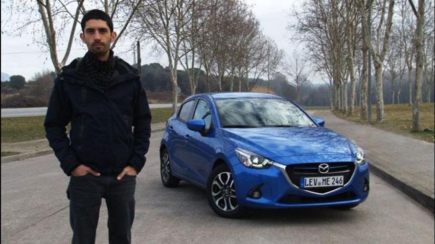 Nuova Mazda 2, come sei bella da guidare! [VIDEO]