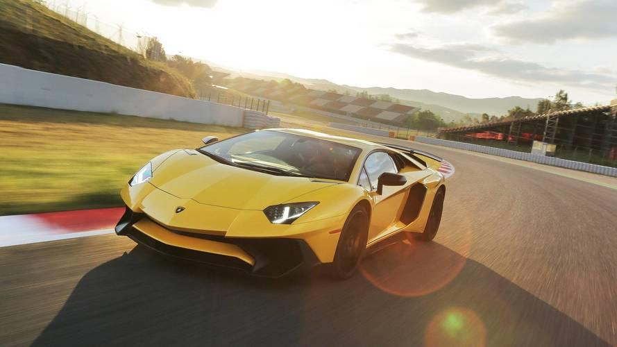 La remplaçante de la Lamborghini Aventador aura un V12 hybride