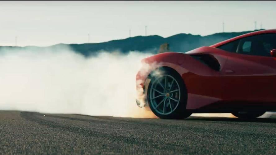 Hangorkán és gumifüst: videón a Ferrari 488 kihegyezett változata