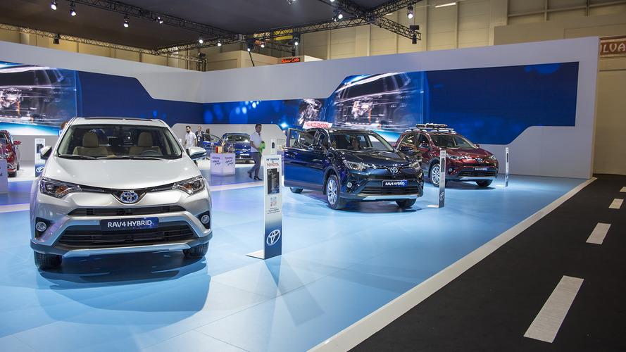 Toyota, hibrit yelpazesiyle İstanbul Autoshow'a geldi
