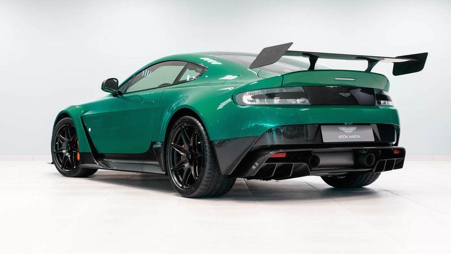 Bu benzersiz yeşil renge sahip tek Aston Martin GT12