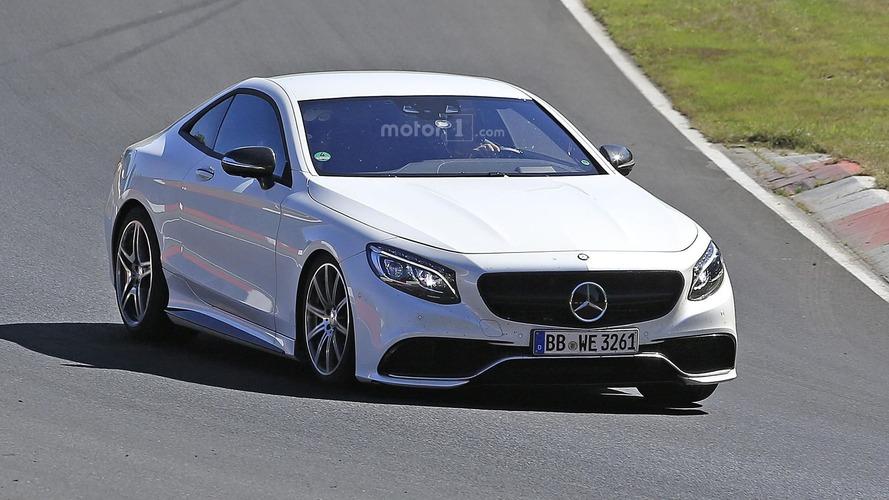 Yeni Mercedes-AMG SL-Serisi tavan tipini değiştirebilir