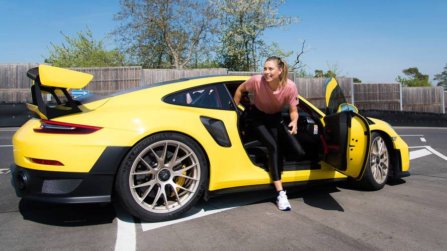 Mark Webber és Maria Sharapova is meghajtotta a Porsche 911 GT2 RS-t