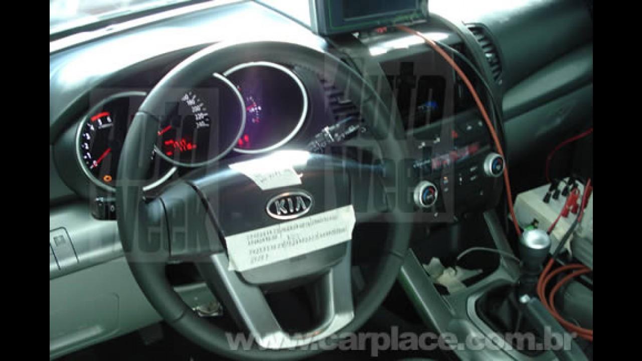 Site holandês AutoWeek mostra fotos da nova geração do SUV Kia Sorento