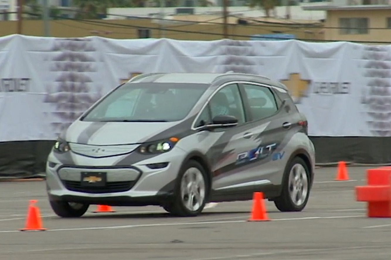 CES 2016: A Sneak Peek of The Chevrolet Bolt