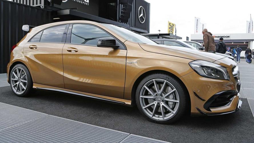 Bu bej Mercedes-AMG A45 kesinlikle dikkat çekiyor