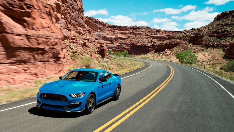 Ford Shelby GT350 Mustang en az bir yıl daha yaşayacak