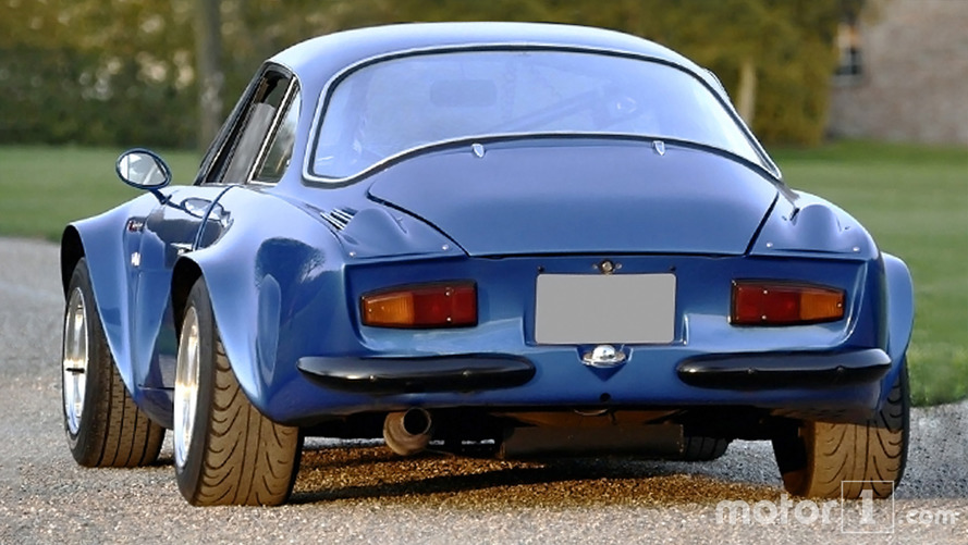 Comparison between the old and the new Alpine A110