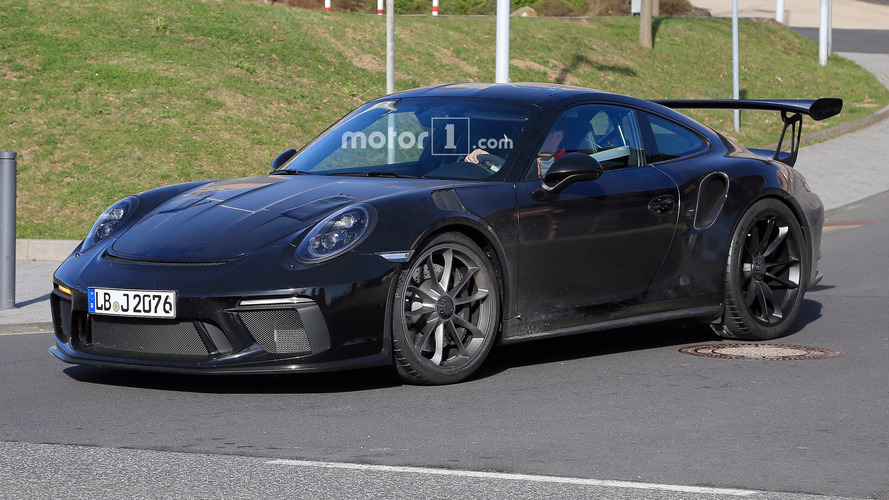 Porsche 911 GT3 RS Facelift Spied Ahead Of 2017 Launch