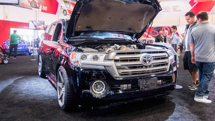Video: Toyota Land Speed Cruiser at the 2016 SEMA Show