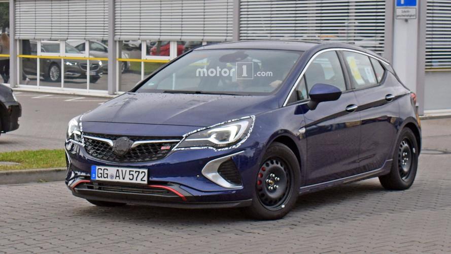 2018 Vauxhall Astra GSi spy photos