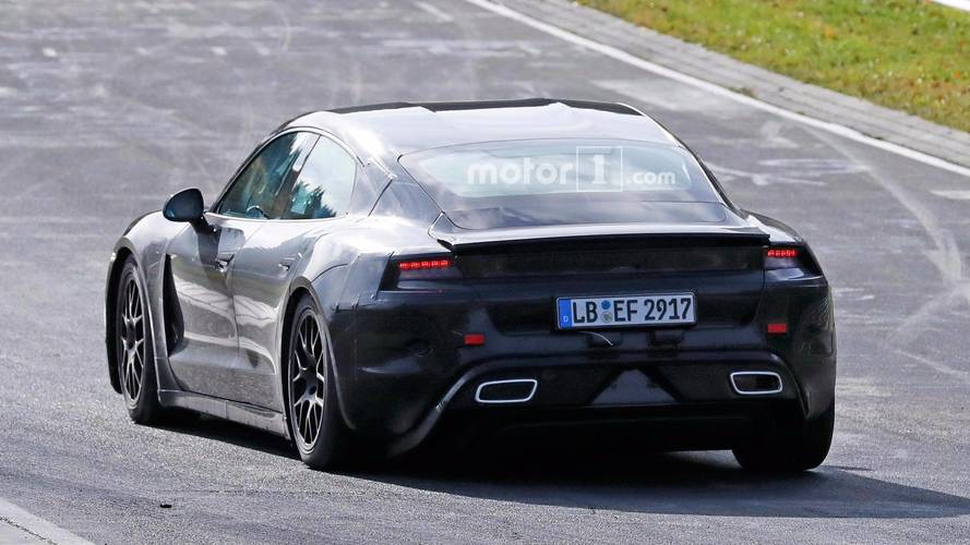 El eléctrico llega en 2019 con más de 600 CV — Porsche Taycan